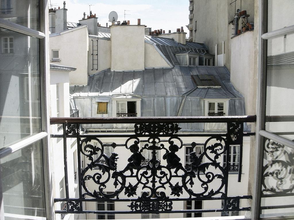 <p><span>Appartement rue du Mail</span>, 2007<br>Format: 40 x 53 cm</p>