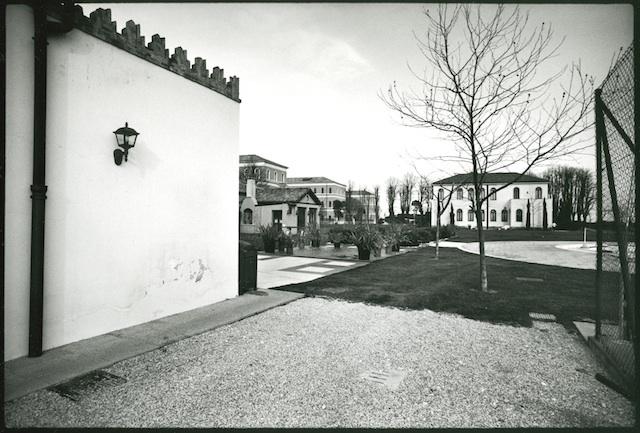<p><span>Venise, San Clemente</span>, 1979<br>Photographie argentique, 32,4 x 39,3 cm, 2000€ (Edition: 7 exemplaires)</p>