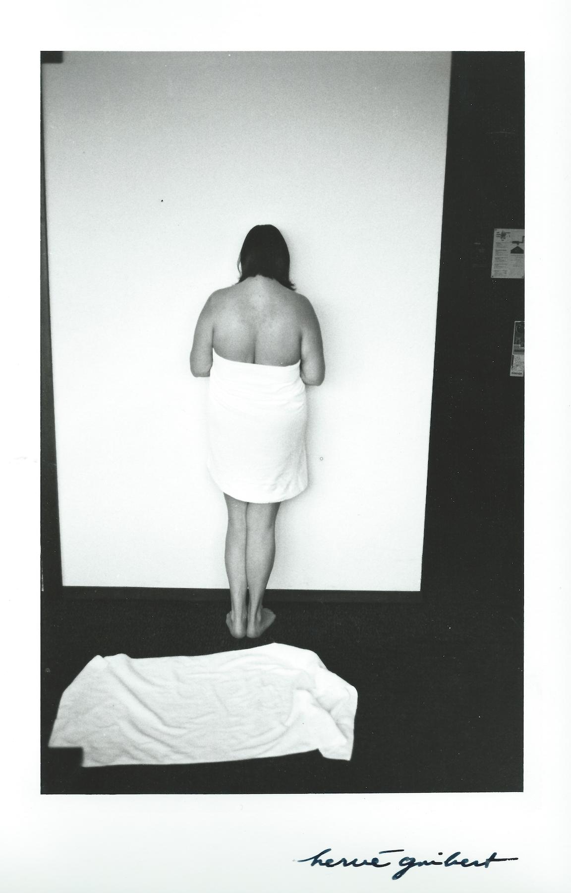 <p><span>Nom de la photo</span>, ex: 2014<br>ex: Photographie Impression, 70 x 39cm</p>