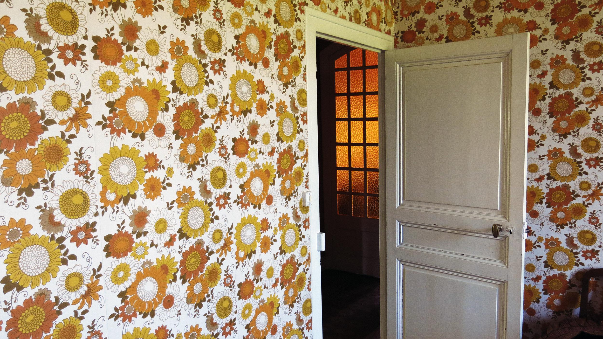 <p><span>Fleurs au mur</span>, .<br></p>